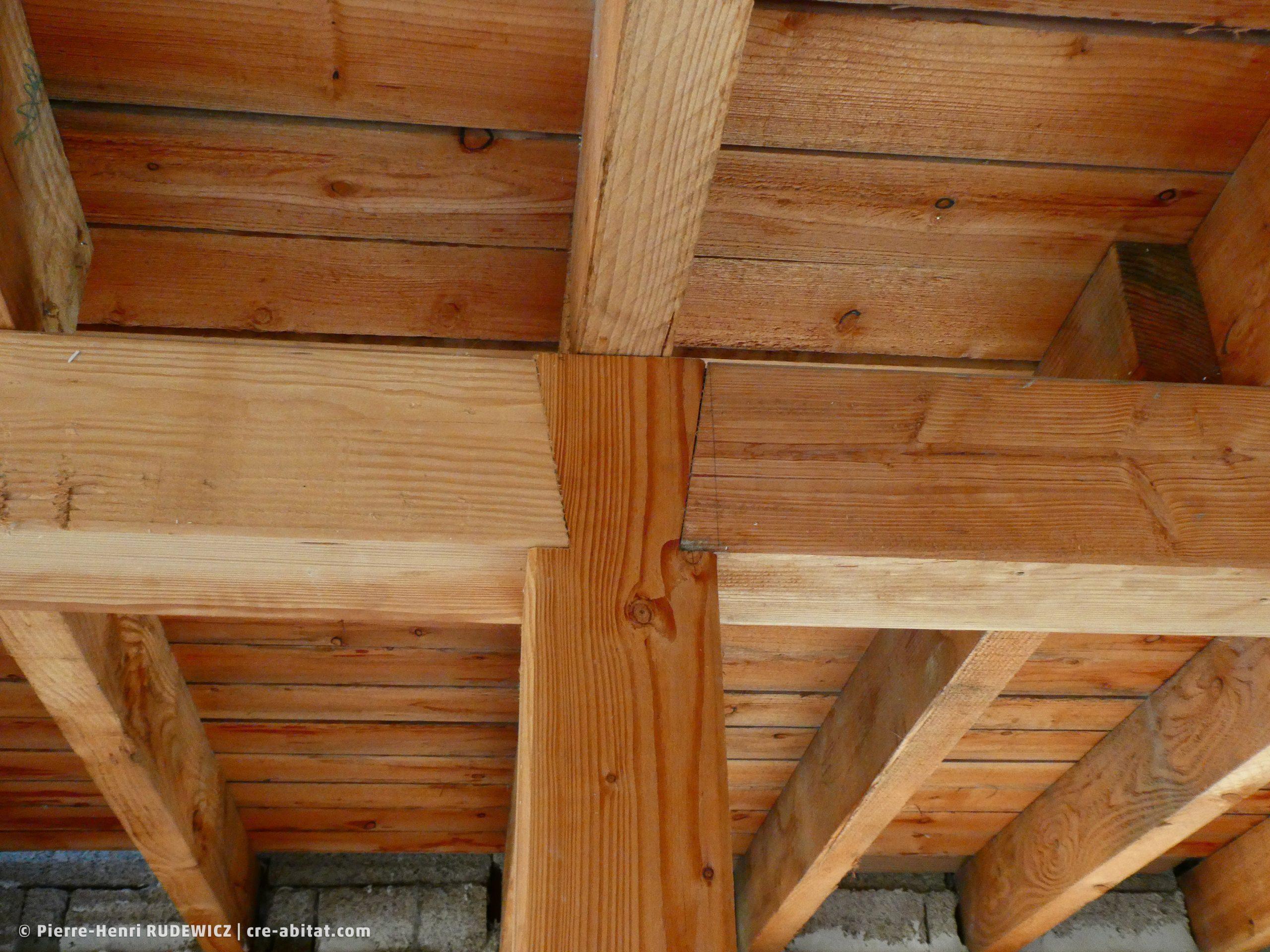 Maison individuelle - Détail charpente bois