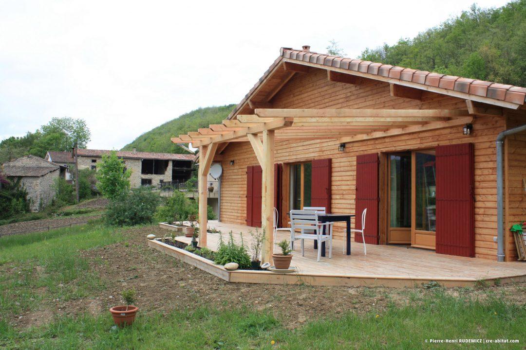 Maison Individuelle Ossature bois - Vue extérieure côté terrasse