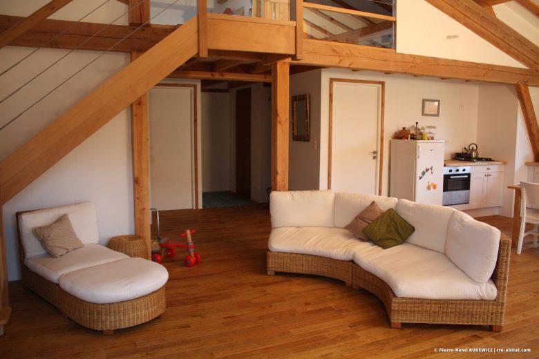 Maison Individuelle Ossature bois - Vue intérieure côté salon et escalier