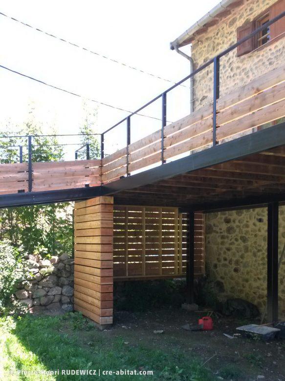 Terrasse en bois structure métal - Abris au rez-de-chaussée